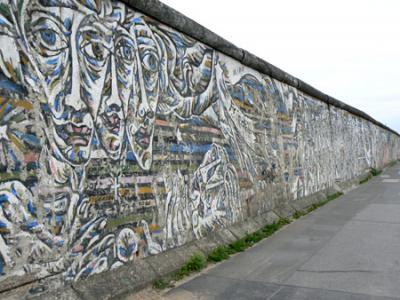 20091109194135-muro-berlin11.jpg