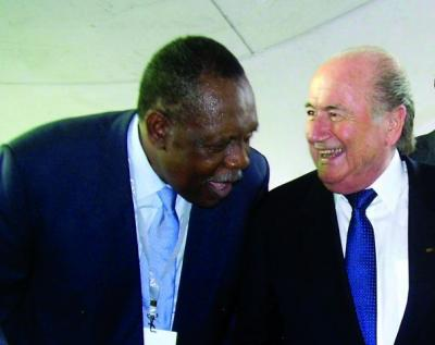 20100201011500-caf-congress-dr-issa-hayatou-elected-by-a-plebiscite-1238410554-b.jpg