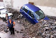 20100202010519-02-sta-cruz-coche-temporal-010402-efe.jpg