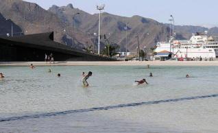 20101201010240-lago-plazadeespana.jpg