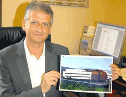 20110214004427-franciscolinares2.jpg