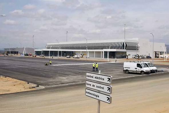 20120726231322-aeropuerto-de-castellon-foto-bellido.jpg
