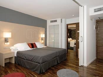 20130213232451-hotel-marques-de-vallejo-1615901.jpg
