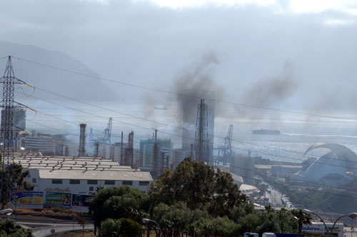 20130918194705-refineria-humos.jpg