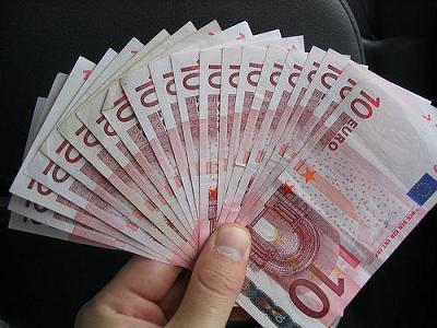 20090525122331-euros1.jpg