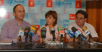 20100721174600-jose-antonio-valbuena-maria-teresa-cruz-oval-juan-ignacio-viciana-4.jpg