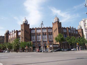 20110924220159-plaza-de-toros-monumental-de-barcelona.jpg