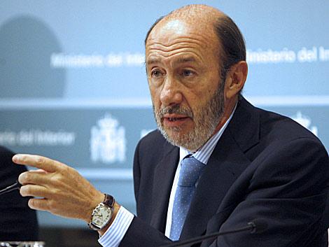 20111004180726-dirigentes-del-pp-confiesan-que-rubalcaba-no-es-un-buen-candidato-y-que-no-tiene-ni-idea-de-economia.jpg