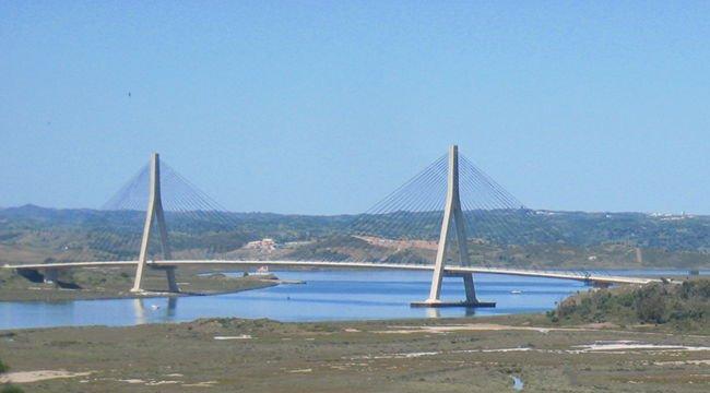 20111211111106-puente-de-ayamonte.jpg