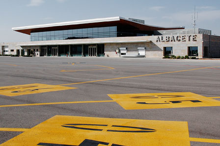 20120319130023-aeropuerto-albacete-pistas.jpg
