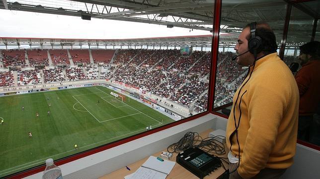 20120421180015-radio-futbol2-644x362.jpg