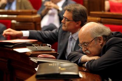 20120725224643-artur-mas-junto-a-su-consejero-de-economia-andreu-mas-colell.jpg