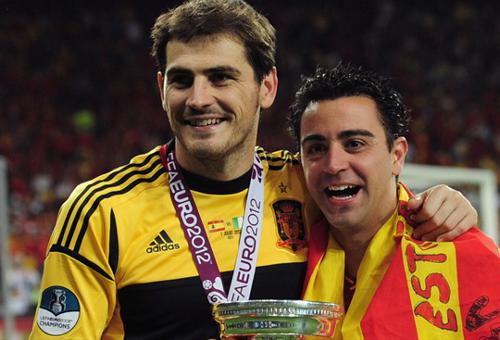 20120906231446-eurocopa-final-casillas-xavi-uefa-607477562.jpg