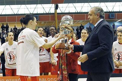 20130312222002-basketfemeniorivas.jpg