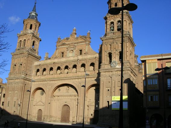 20130314174103-colegiata-de-san-miguel-arcangel-monumento-historico-artistico-nacional-alfaro-la-rioja-276360.jpg